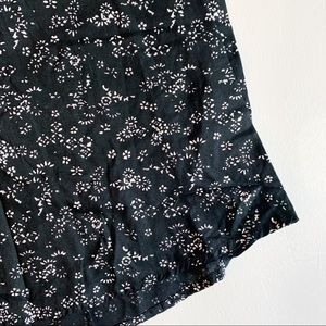 Old Navy Tops - OLD NAVY Black & White Pattern Sleeveless Blouse S